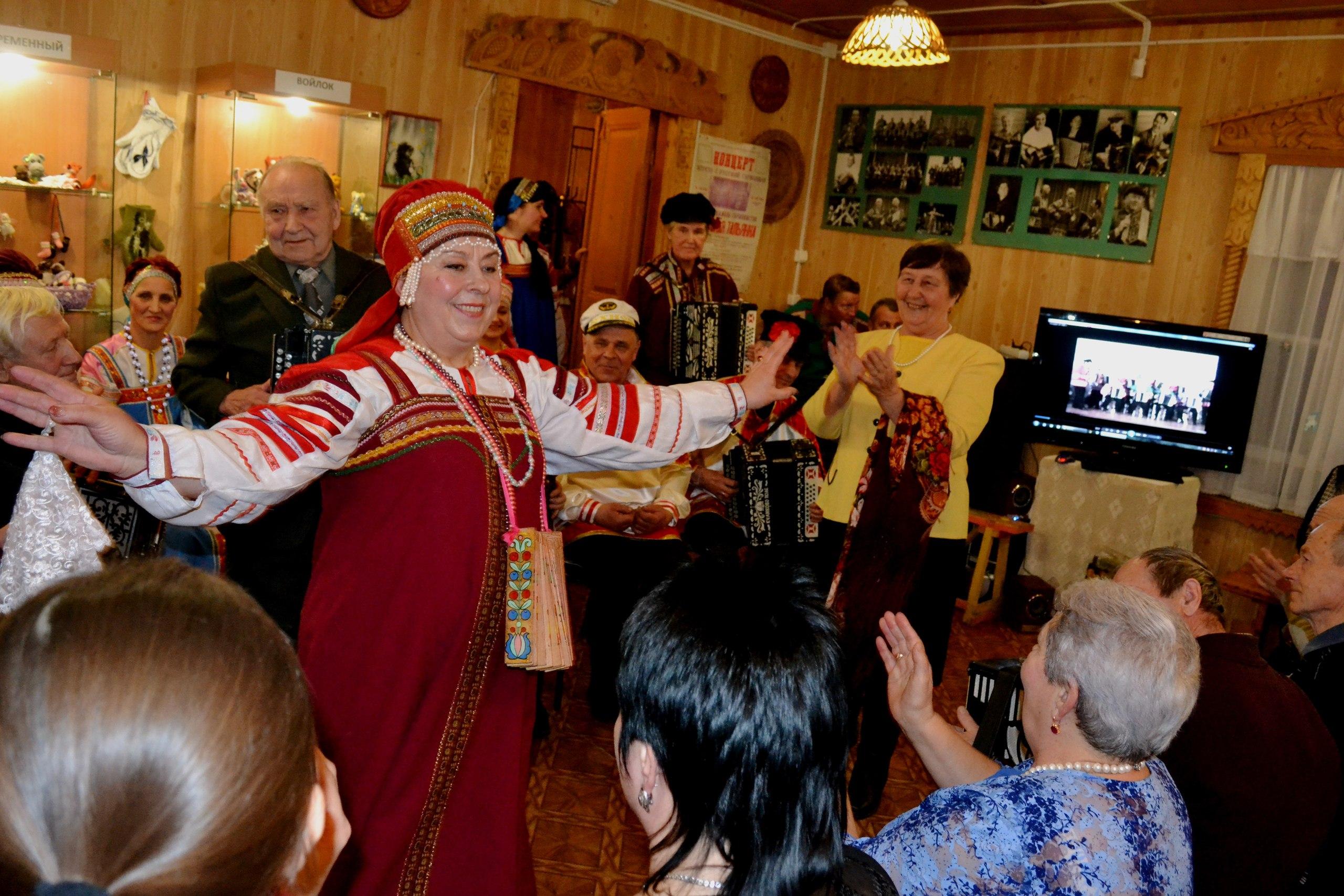 Калуга Дом мастеров Калужская тальянка
